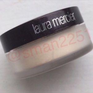 💖NEW!💖Laura Mercier Translucent Powder NEW!